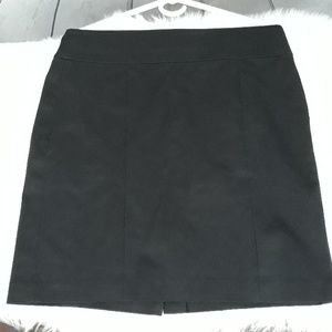 Size 10 Banana Republic black pencil skirt w/slit